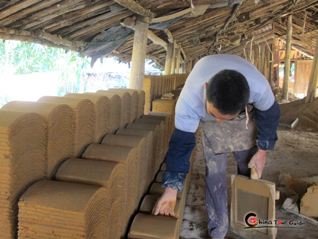 Fujian Tulou Tiles Making