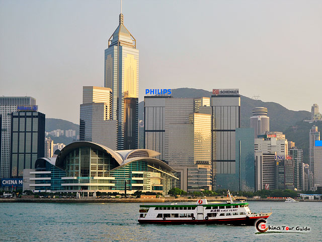 Victoria Harbour and Cruise