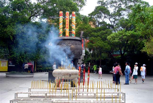 [ Asie ] La Chine Po_lin_monastery_e