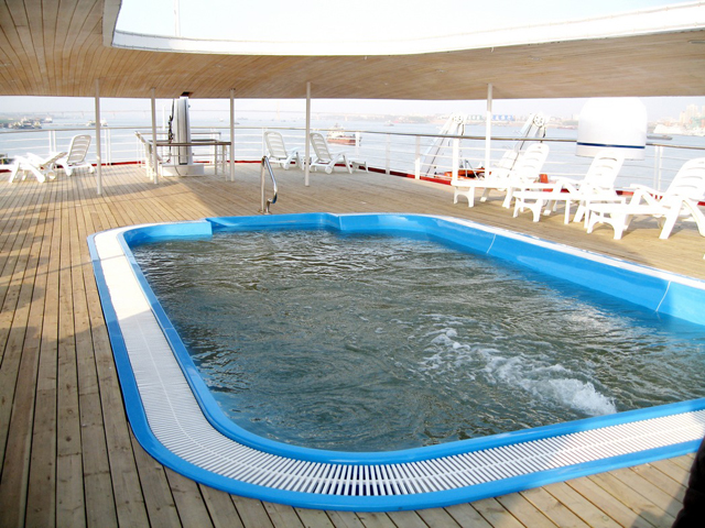 M.S. Yangtze 1 Swimming Pool