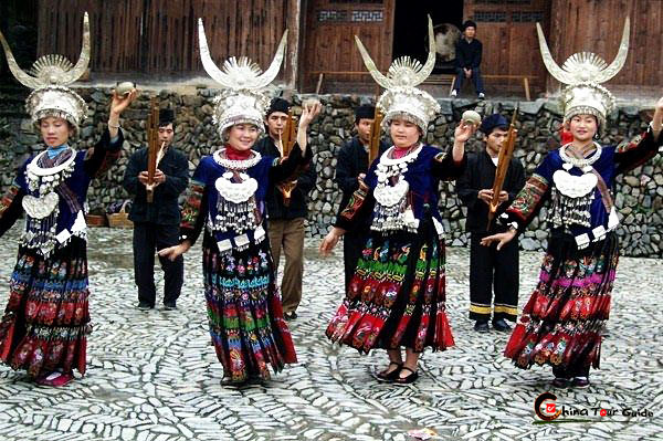 miao girls dancing to lusheng music