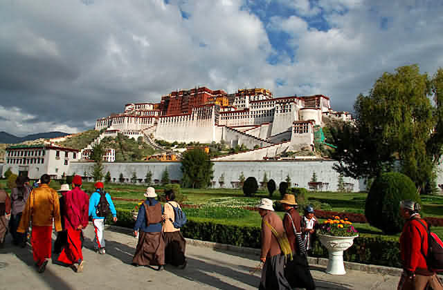 Sideview of Potala Palace